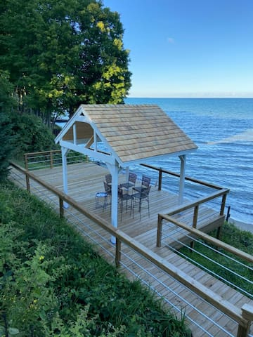 Root 2 Rise Retreat is Lakefront and Sleeps 10!