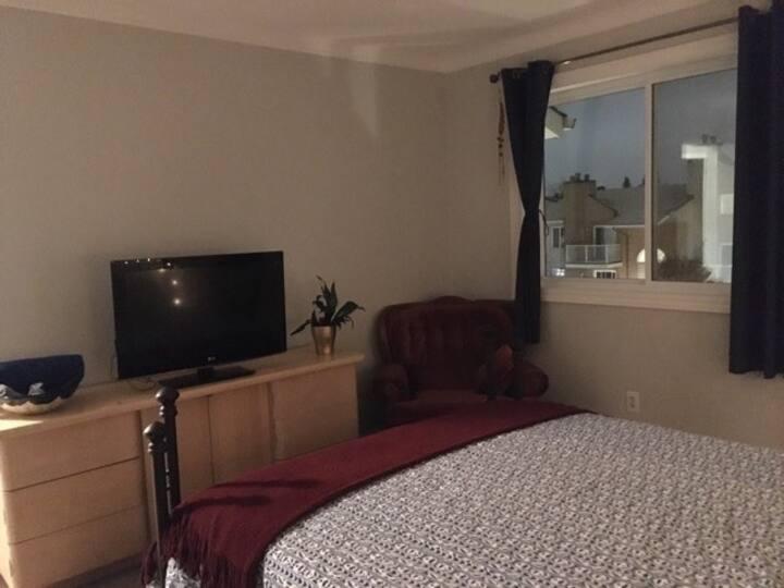 The coziest bedroom in G-town