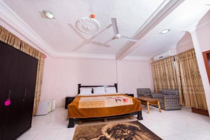 Spintex Road, Accra (Cozy Hotel)