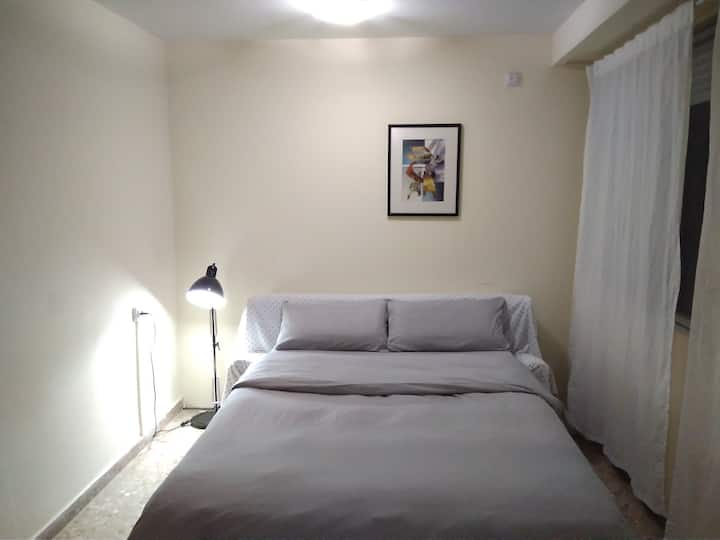 Large room near the BEACH/ Bed 150cm/Lift