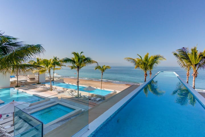 Harbor 171, Ocean Views Spacious 2 Bedrooms 2 Bath
