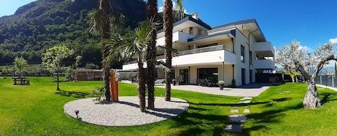 Schöne helle Wohnung mit Terrasse und Garten
