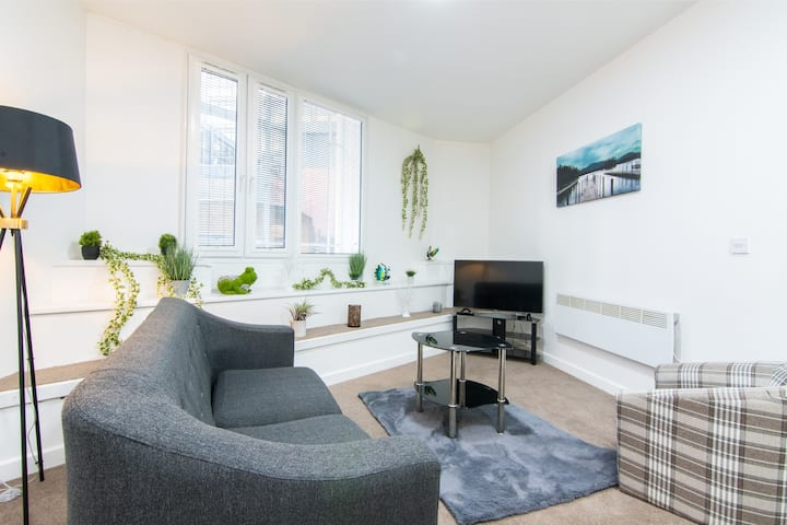 Spacious and Modern 2 Bed apartment in CITY CENTRE