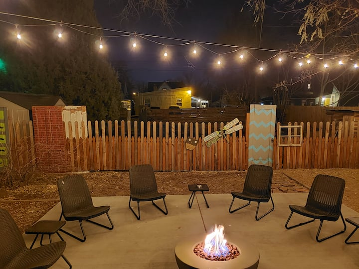 ✶The Downtown Loft✶ Historic┃Firepit┃Grill┃Hot tub