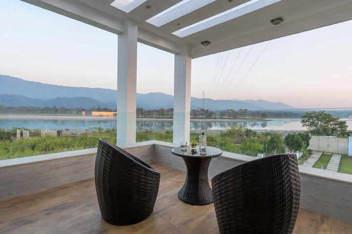 Vista Divine By the Holy River Ganga