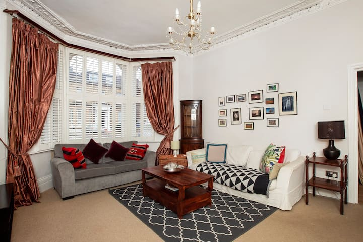 2BR Victorian Flat With Private Garden & Parking