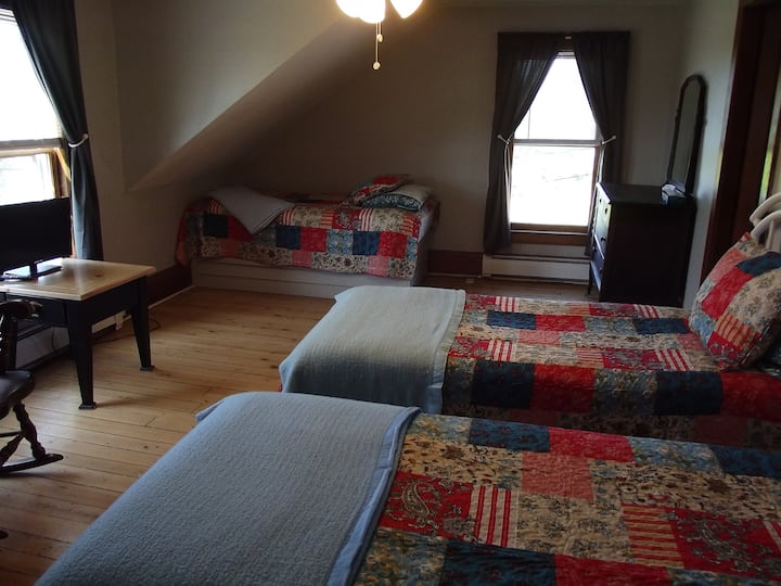 Jefferson Inn - Home Away from Home-Family Suite