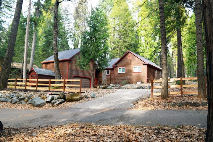 Large Modern Rustic Nevada City Home.