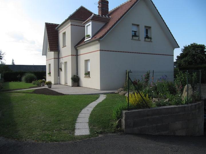 Chambres privées dans belle maison à Beuvraignes