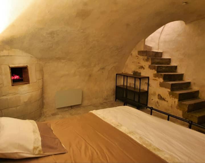 Grand Duplex chambre troglodyte Pont sur Yonne