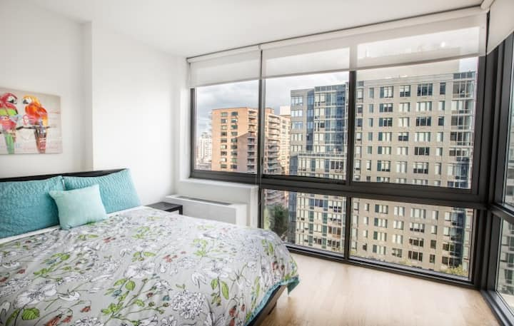 UWS 2 bed/1 bath Apt. located in luxury building