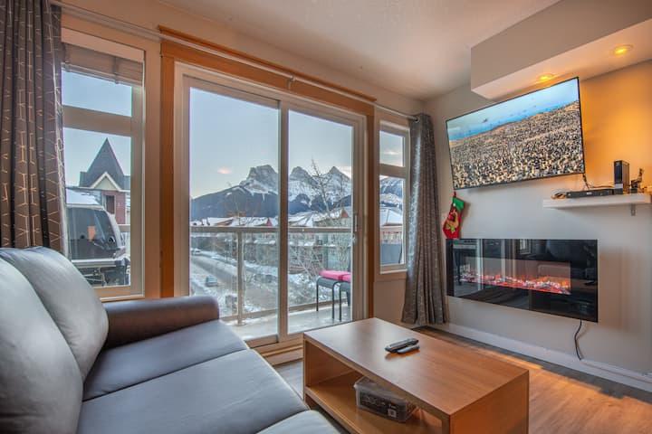 Mountain View 2 Bedroom Condo - WT Top Floor