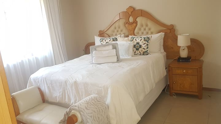 1 bed in Forestry surrounding, 5min to Bonza Beach