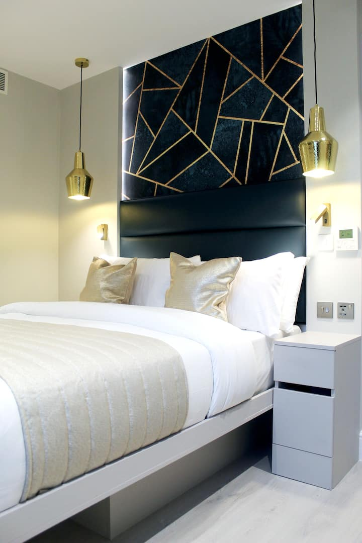 JOY Windowless Double studio @ NOX HOTELS Waterloo