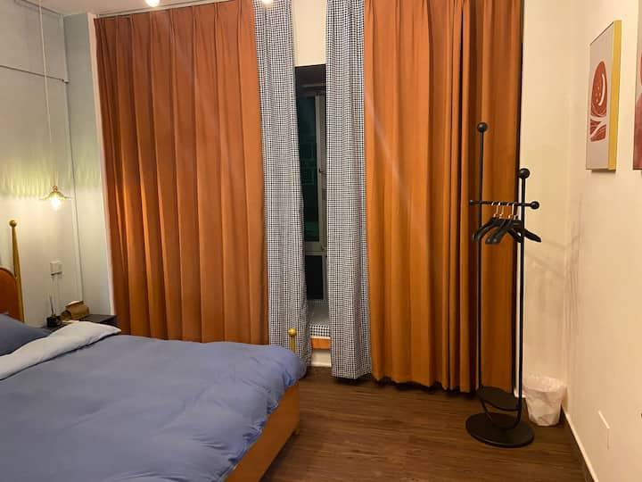 【 橙意 】市中心带飘窗一居室/ 灵峰广场 / 交通便利