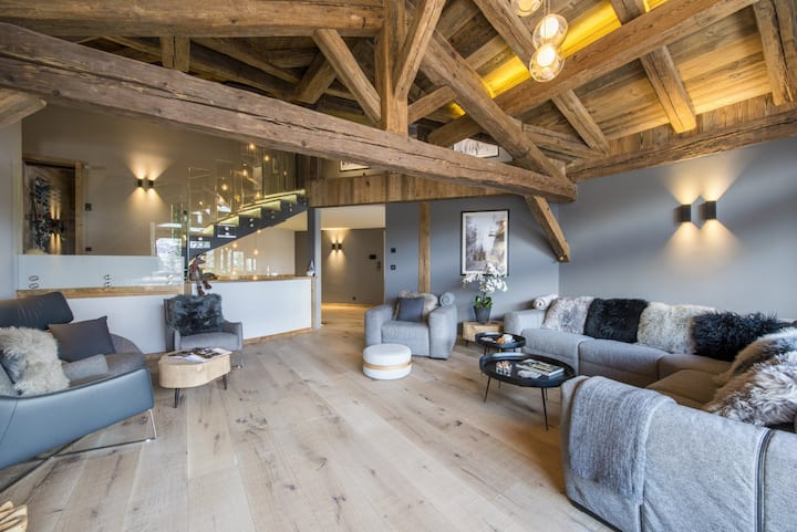 Ski in/out St Moritz Luxe Chalet 5 Bedrooms
