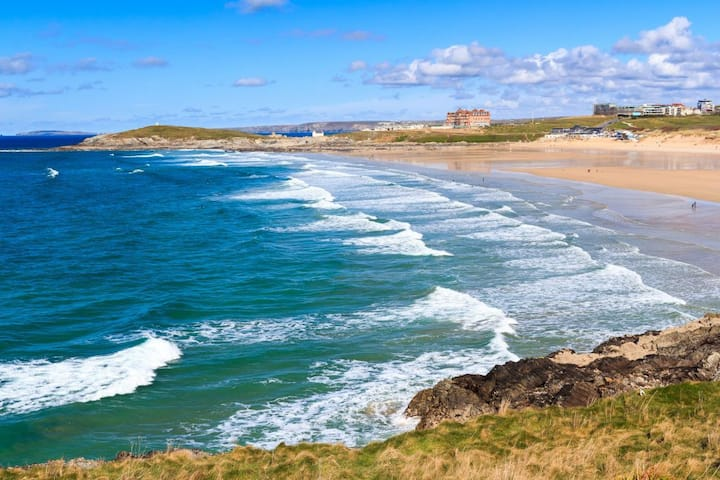 Fistral Hideaway: between the Gannel and Fistral