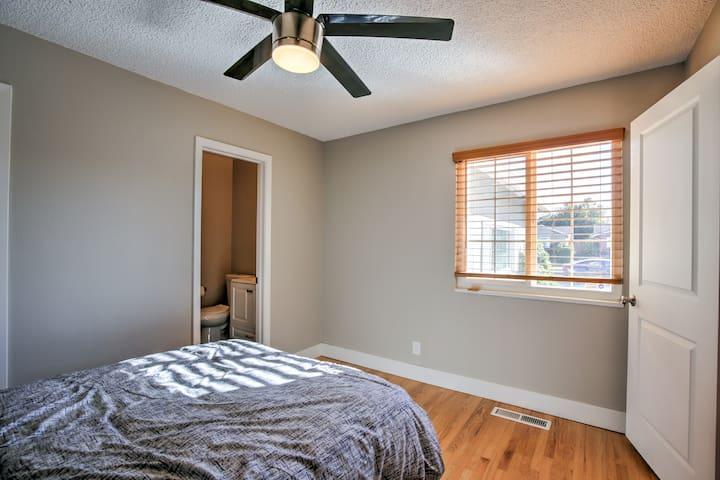Bedroom 2 - master bedroom with en suite bath
