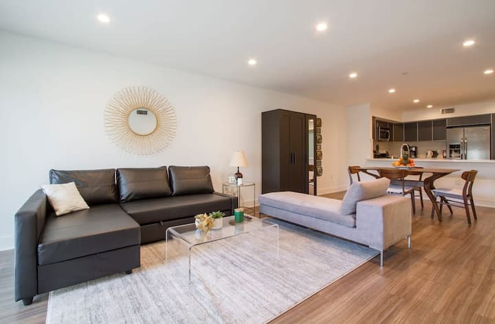 Beverly Center Luxury 3Bed 3Bath W3rd St SANITIZED