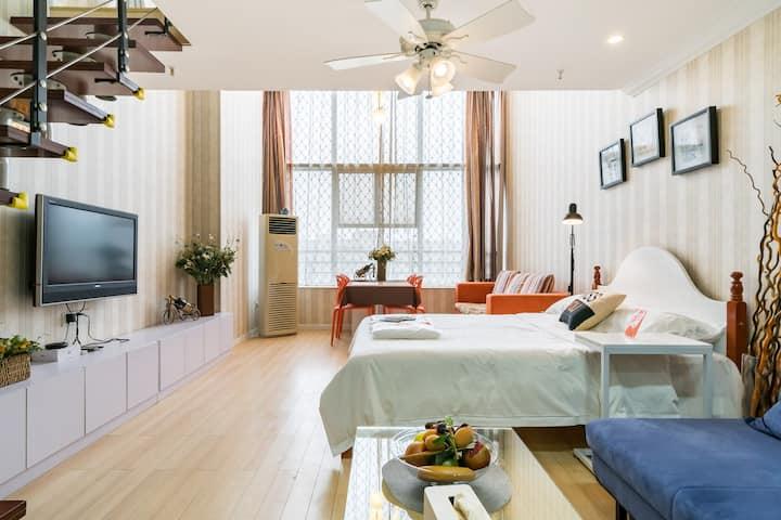 【宜然】CBD/水悦城商圈对面/三峡大学/loft时尚家庭房