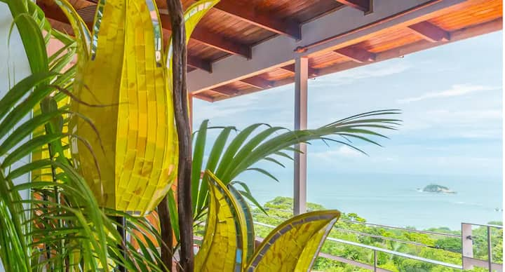 OCEAN VIEW STUDIO SUITE! Fresh Tropical Vibe!