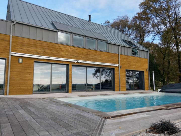 Villa moderne avec piscine et jacuzzi