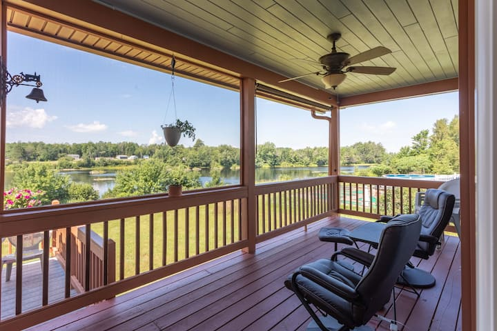 NEW!  Howland Escape, Deck, Yard & River Frontage