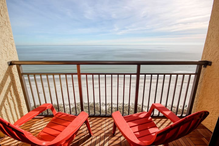 Oceanfront King, free parking, wifi and balcony.