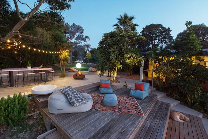 Yarra Valley retreat-city views, sunsets, & nature