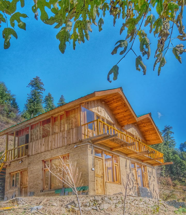 Whispering Pines Cottages| Flying Squirrel
