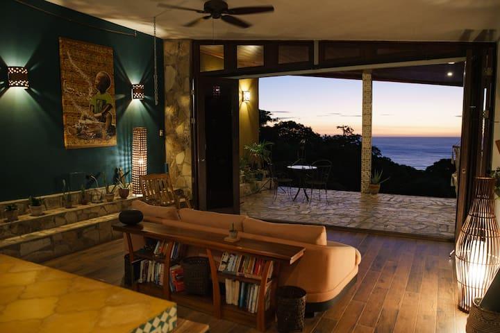 Casa del Arte master suite