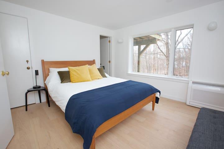 Downstairs Bedroom with Queen and en-suite full bath