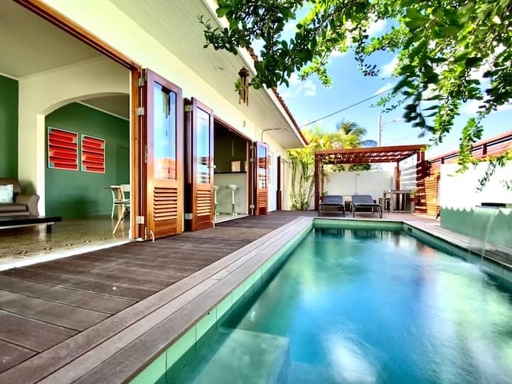 Villa Petit Oasis, tropical pool, seaside.