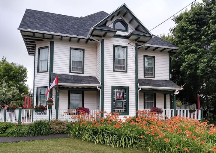 Prince County Guest House - Suite 2