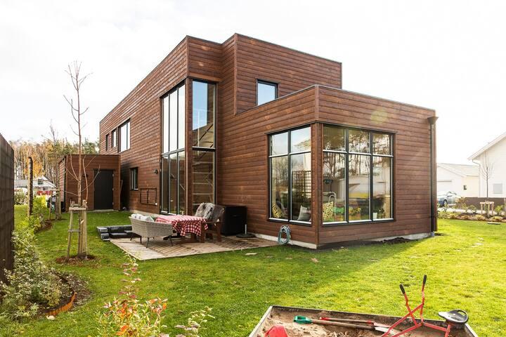 Villa Heden - Modern ljus och härlig villa