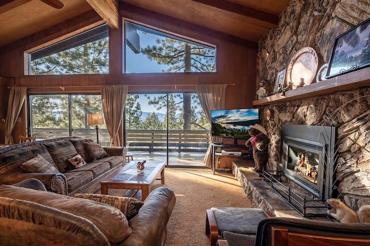 Tahoe Vacation Stay w/Lake Views/Next to Casinos