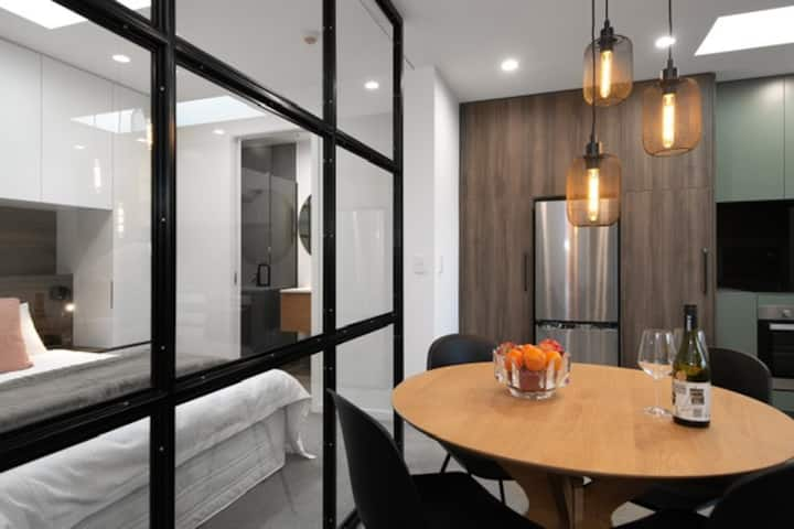 BEST Inner City Luxury Apartment 4 - 1 Bedroom