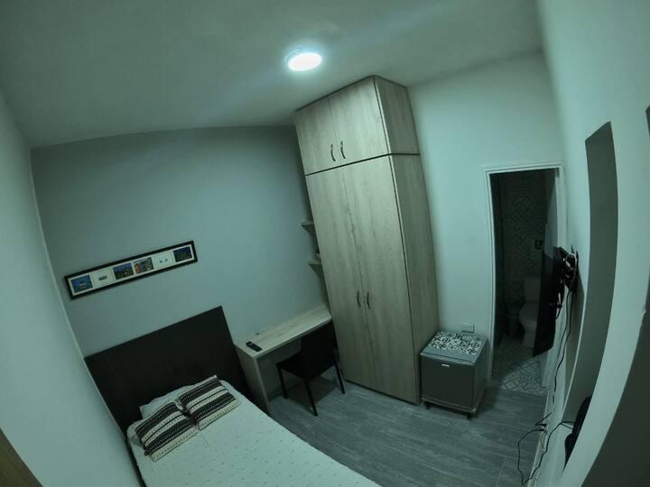 Cómoda habitación 1 persona con baño privado  (3)