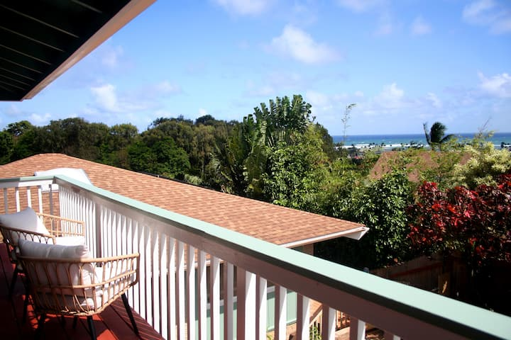 Panoramic Ocean View Studio, Permitted by Kaua'i