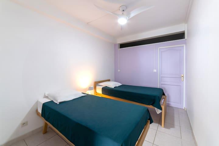 Chambre2 modulable, deux lits 90 ou grand lit 180 avec brasseur d'air