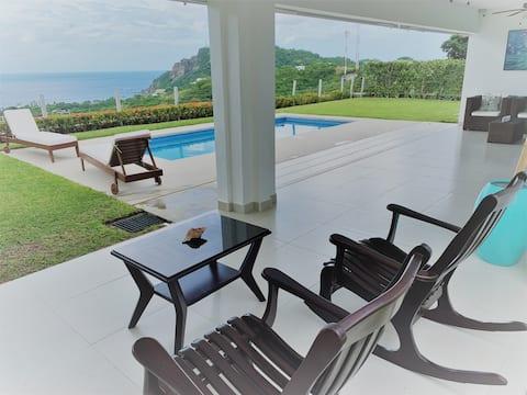 Casa Buenavista: ¡Magníficas vistas al mar y a la montaña!