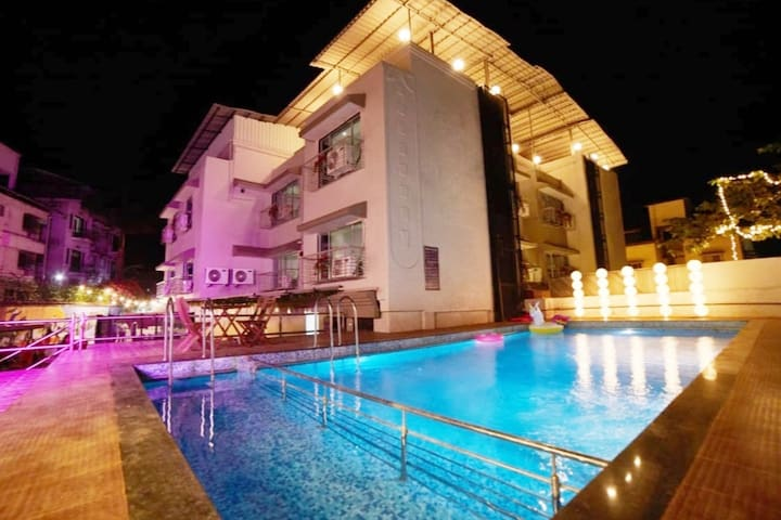 Deluxe Room with POOL - Lonavala