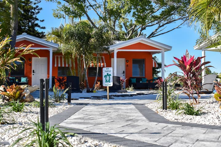 NEW... #4 -Sea Turtle Bungalows @John's Pass 1B/1B