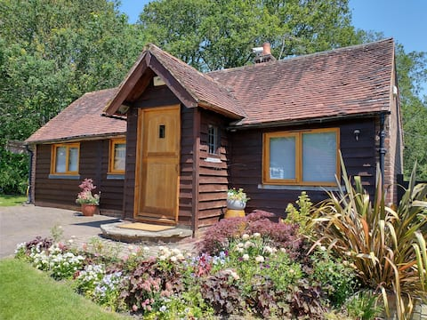 Delightful cosy country cottage on Ashdown Forest