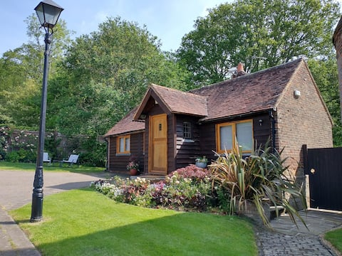 Deilig koselig sommerhus på landet på Ashdown Forest