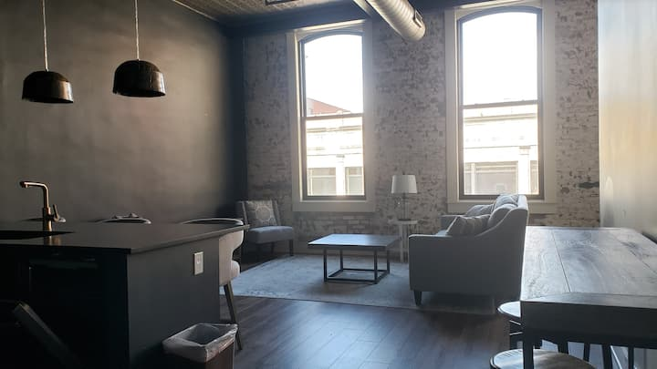 Luxury Downtown Syracuse Lofts -Monthly Stays Only