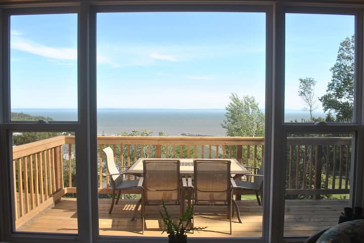 *NEW* Spacious Cottage (RED) - Best View in Alma!