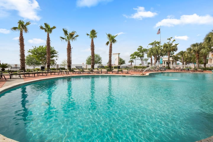 Dolphin View Condo @ Legacy Towers, Gulfport MS