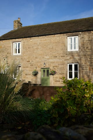 The Old Post House: Period Cottage in Edale