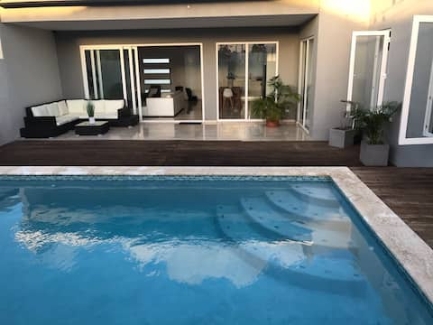 House with private pool in Aruba